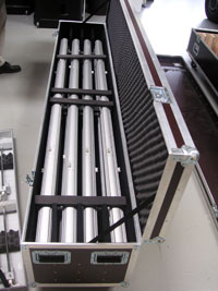 Stabiler Transportkoffer in Flightcase-Optik für Transport und Versand von einer LED-Leuchtwand